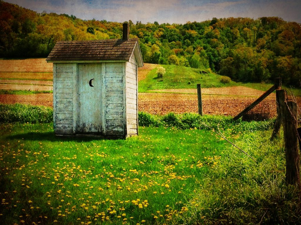 https://pixabay.com/photos/outhouse-old-country-rustic-rural-510225/
