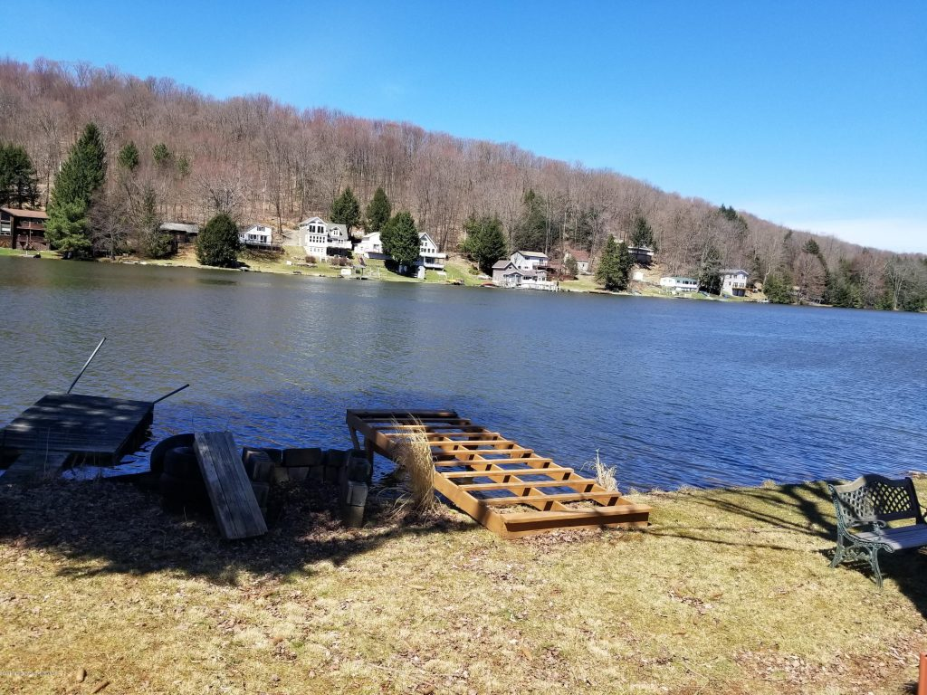 https://www.lakehomes.com/pennsylvania/page-lake-new-milford-twp/e-shore-page-lake-dr-new-milford-pa-18834-lhrmls-00562255