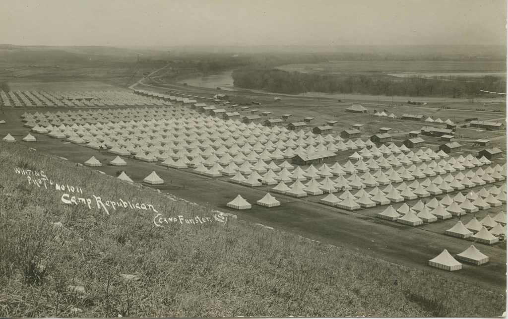 https://nara.getarchive.net/media/ceremonies-camp-funston-thru-camp-lee-camp-funston-1918-be4ced
