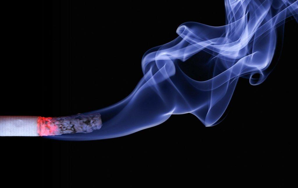https://pixabay.com/photos/cigarette-smoke-burning-cigarette-110849/